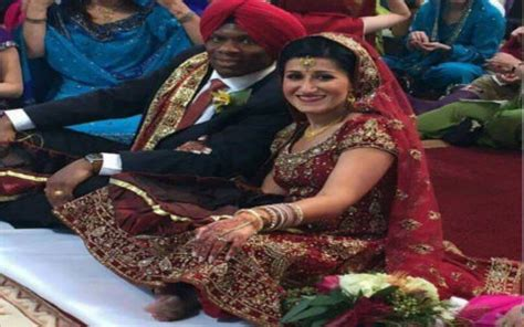 Truth Behind Viral Picture of Anand Karaj