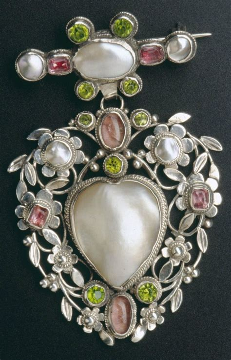 Arthur and Georgie Gaskin - An Arts and Crafts brooch