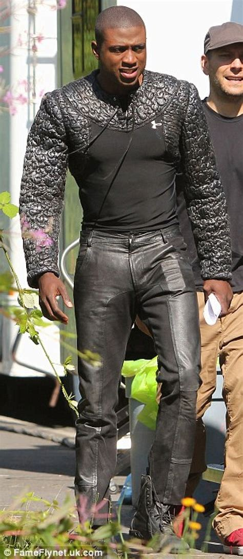 'Once Upon A Time' Season 2 Spoilers: On Set With Sir