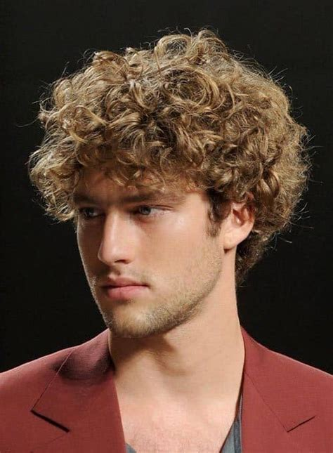 11 of The Best Jewfro Hairstyles for Men [2019