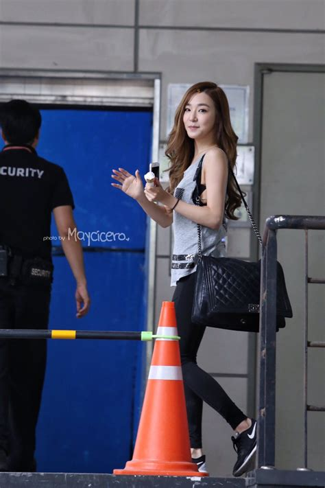 These 7 Photos Of Tiffany's Perfect Body In Yoga Pants Are